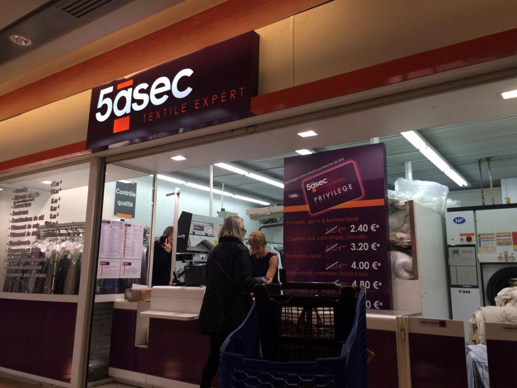 Caisson lumineux enseigne pour le magasin 5ASEC de Wasquehal
