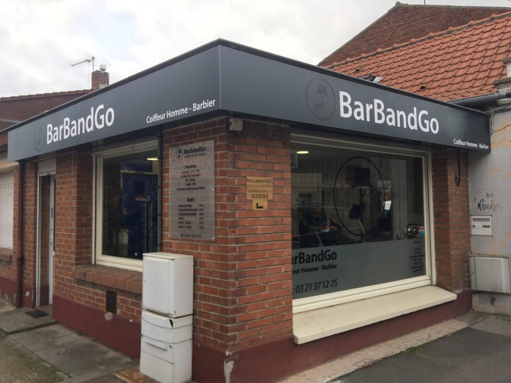 Enseigne panneau simple pour le salon de coiffure Barbandgo de Carvin